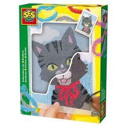 Kotek wyszywanka z włóczkami i akcesoriami