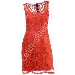 Haftowana koralowa sukienka z wzorami | sukienki na wesele