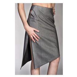 Asymetryczna spódnica jeansowa
