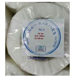 Agrowłóknina wiosenna PP 20 g/m2 biała 1,6 x 100 mb. Rolka o wadze 3,82 kg.