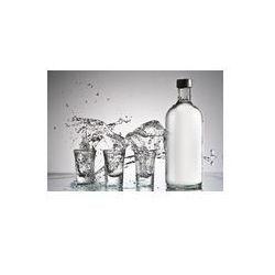 Foto naklejka samoprzylepna 100 x 100 cm - Oryginalna wódka powitalny