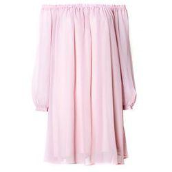 Sukienka z różowego szyfonu boho
