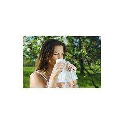 Foto naklejka samoprzylepna 100 x 100 cm - Młoda kobieta z papierowej chusteczce