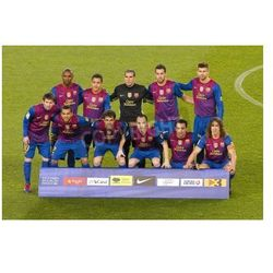 Fototapeta Barcelona players posing for photos before the Spanish Cup match between FC Barcelona and Real Madrid, final score