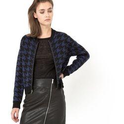 Sweter w wypukły wzór w pepitkę, zapinany na suwak
