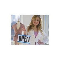 Foto naklejka samoprzylepna 100 x 100 cm - Sklepikarz gospodarstwa otworzy znak